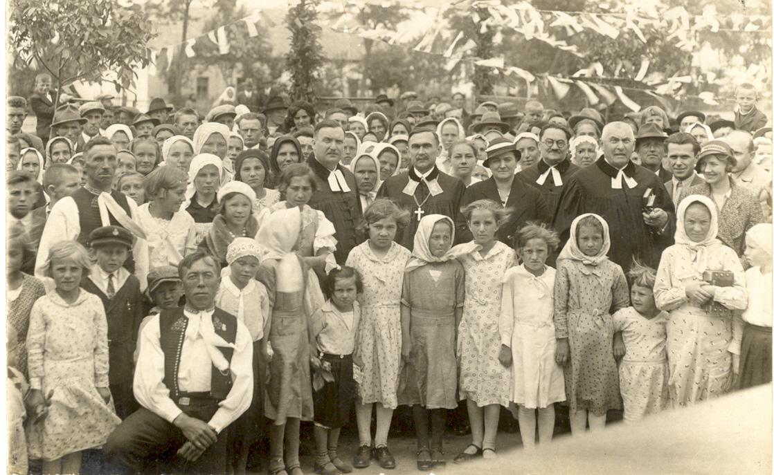 Evanjelické služby Božie na šk.dvore v roku 1934 (biskup Samuel Osuský)